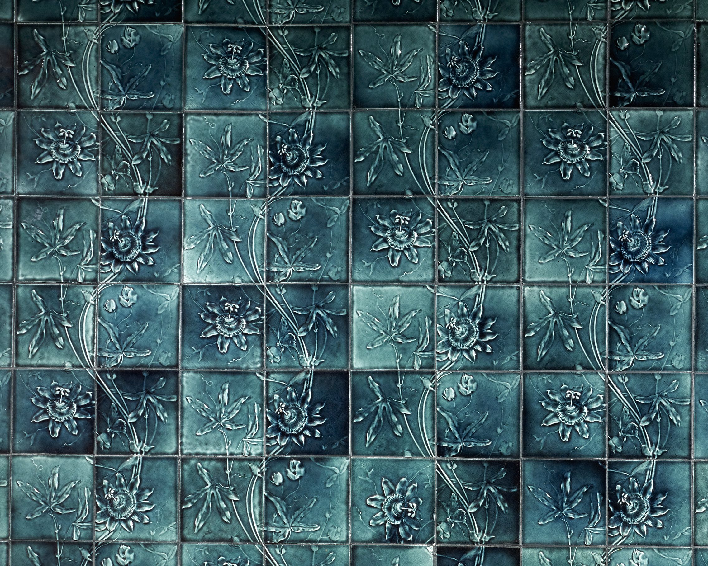 Low Art Tile